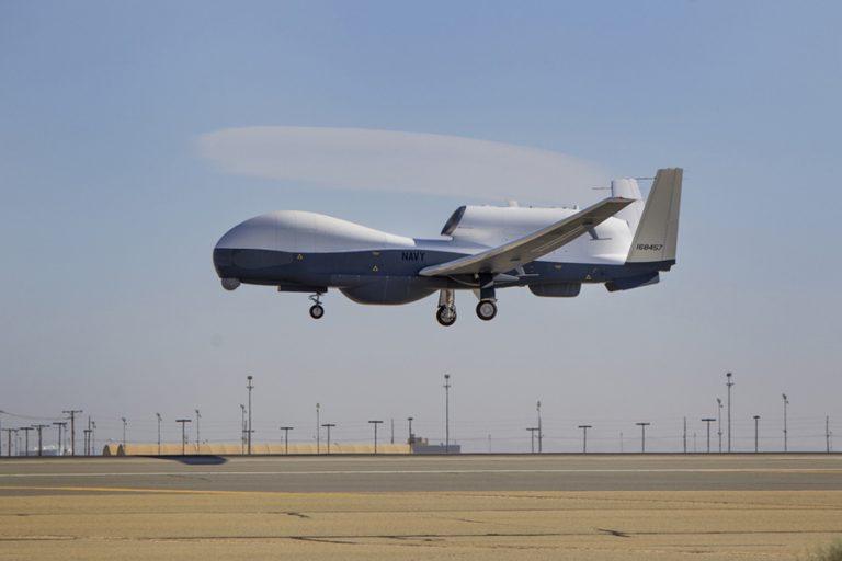 Φωτογραφίες του Αμερικανού κατασκοπευτικού drone που κατέρριψαν δημοσίευσαν οι Ιρανοί (ΦΩΤΟ-BINTEO)