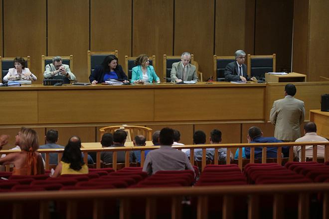 Δίκη Χρυσής Αυγής: Αρνείται οποιαδήποτε σχέση με τη δολοφονία Φύσσα ο κατηγορούμενος ως άμεσος συνεργός του Ρουπακιά