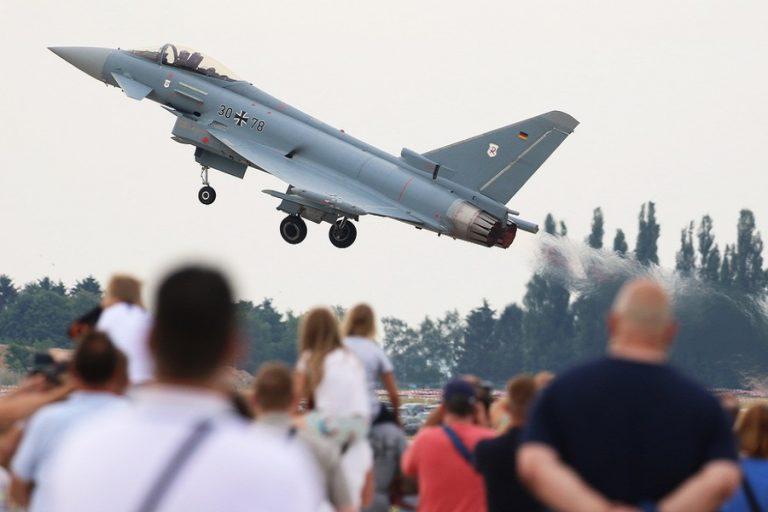 Συγκρούστηκαν στον αέρα δύο μαχητικά Eurofighter στην Γερμανία (Βίντεο)