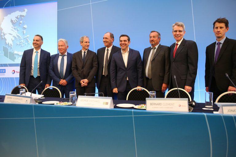 Έπεσαν οι υπογραφές για την έρευνα και εκμετάλλευση υδρογονανθράκων στην Κρήτη