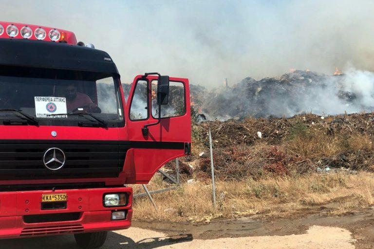 Πυρκαγιά στο Λαύριο- Εκκενώθηκε προληπτικά καταυλισμός προσφύγων