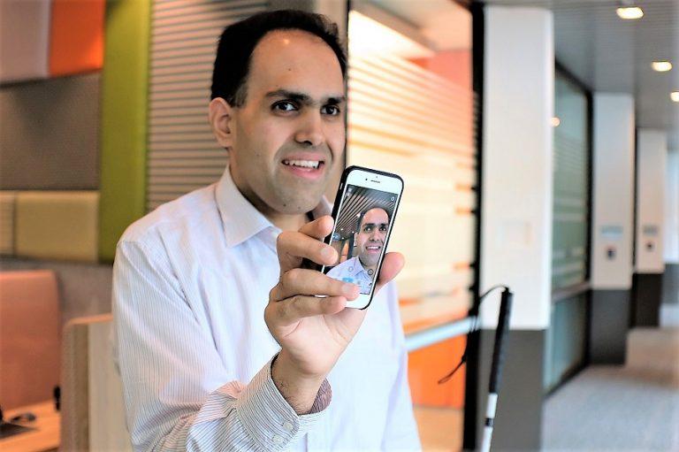 Ο τυφλός μηχανικός λογισμικού της Microsoft που μετέτρεψε την τεχνητή νοημοσύνη σε εργαλείο όρασης