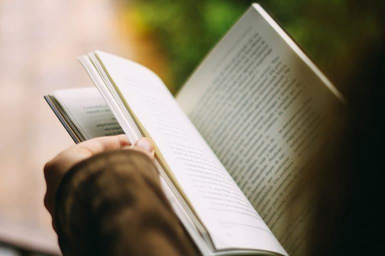 Τέσσερα βιβλία που θα πρέπει να διαβάσετε για να …σαρώσετε το 2020
