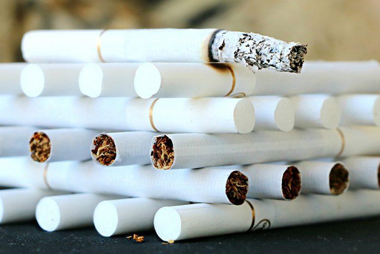 Ανθεί το εμπόριο λαθραίων τσιγάρων: 690 εκατ. ευρώ έχασε η Ελλάδα