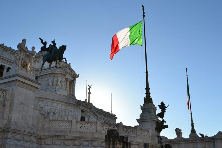 Ανοίγει ο δρόμος για την ορκωμοσία νέας κυβέρνησης συνασπισμού στην Ιταλία