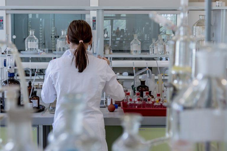 Ρωσία: Έκρηξη σε εργαστήριο όπου φυλάσσεται ο ιός της ευλογιάς