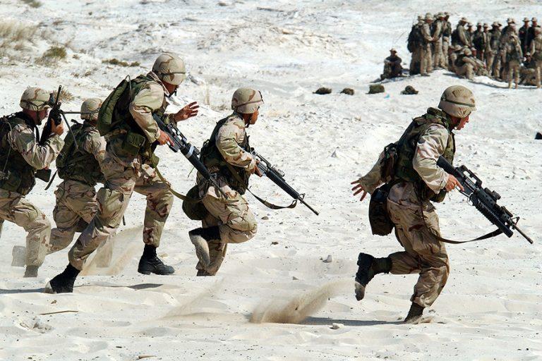 Ανεβαίνει επικίνδυνα το θερμόμετρο στη Μέση Ανατολή – Οι ΗΠΑ στέλνουν 1.000 στρατιωτικούς