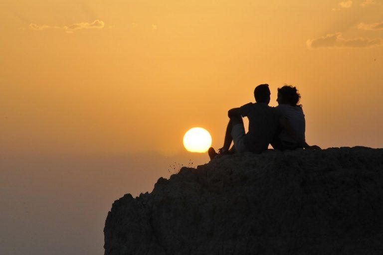 Ένα ελληνικό νησί στους 12 κορυφαίους καλοκαιρινούς προορισμούς για ζευγάρια