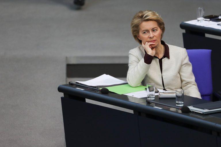 Σήμερα αποφασίζει η Ευρωβουλή για τη νέα επικεφαλής της Κομισιόν- Το «στοίχημα» της Ούρσουλα φον ντερ Λάιεν