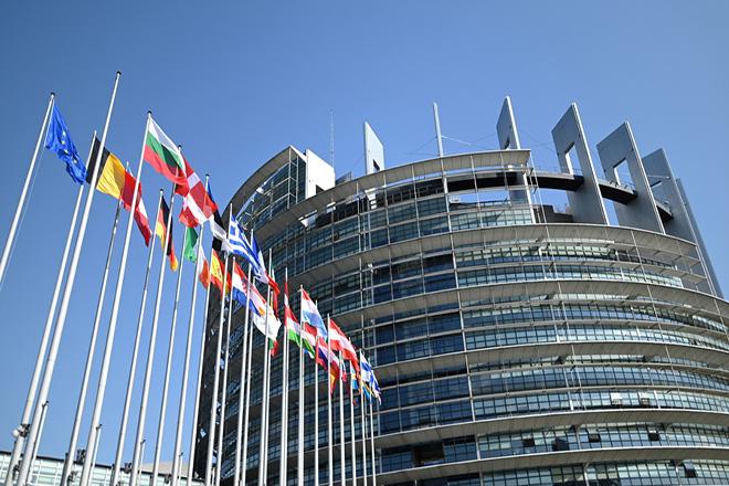 Κομισιόν: Ύφεση 9% φέτος στην Ελλάδα – Ανάκαμψη 6% το 2021