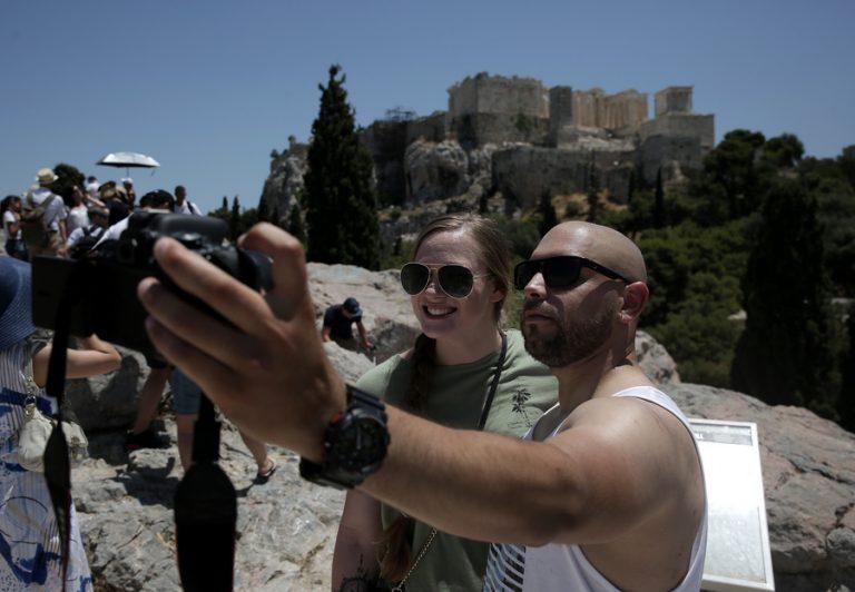 Ήρθαν περισσότεροι τουρίστες φέτος, αλλά έμειναν λιγότερο