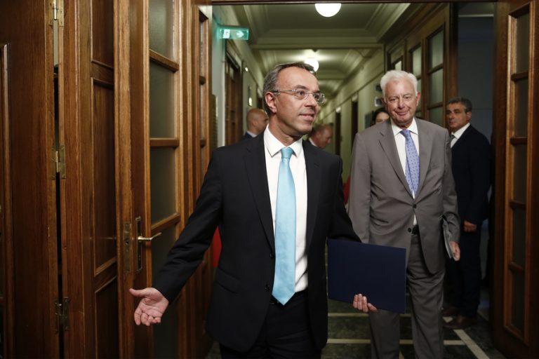 Μαξίμου: Θα πετύχουμε και τους δημοσιονομικούς στόχους και την εφαρμογή φοροελαφρύνσεων