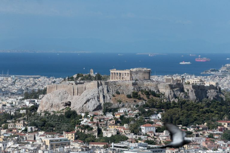 Δημοσκόπηση: Η «ελπίδα» επέστρεψε στο λεξιλόγιο των Ελλήνων