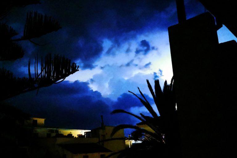 Έκτακτο δελτίο από ΕΜΥ για επιδείνωση του καιρού-Ποιες περιοχές πλήττονται