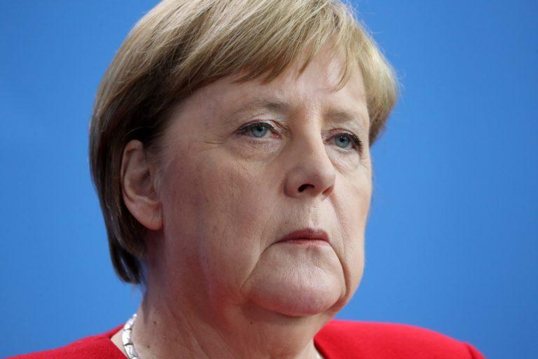 Μέρκελ: Η γερμανική οικονομία ενώπιον κινδύνου ύφεσης