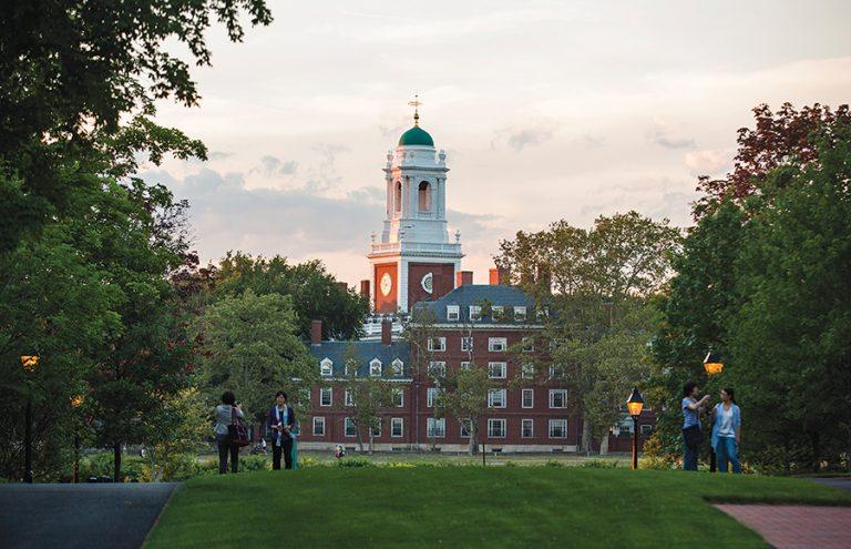 Δέκα κορυφαία πανεπιστήμια που «γεννούν» δισεκατομμυριούχους