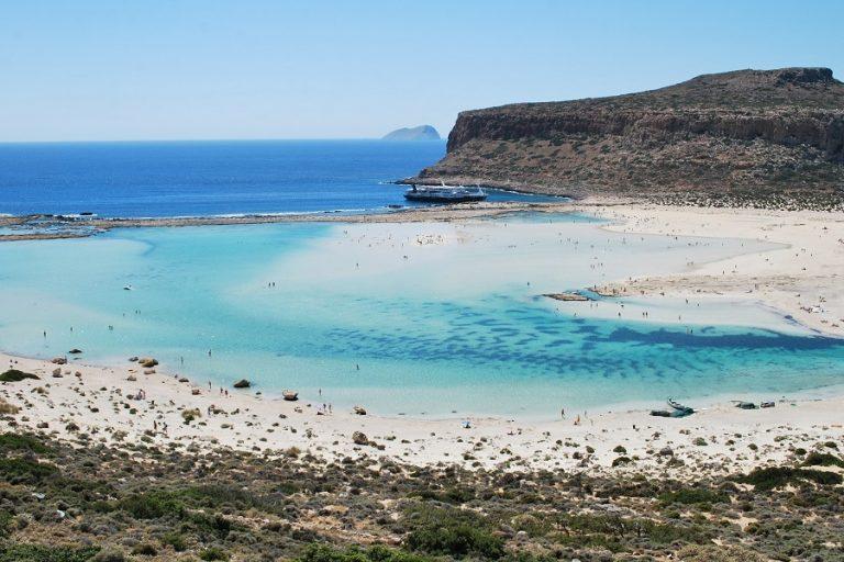 Μία ελληνική παραλία-κόσμημα στις δέκα πιο όμορφες της Ευρώπης για τη Ryanair