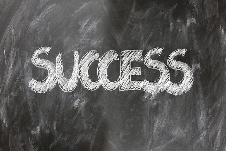 Πέντε τακτικές που θα σας βοηθήσουν να ξεκινήσετε την καριέρα σας μετά το πανεπιστήμιο