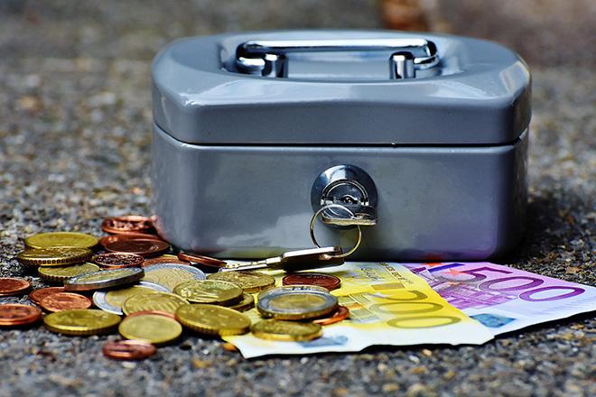 Χρήματα στα… σεντούκια: Τι συμβαίνει στην Ελλάδα σήμερα;