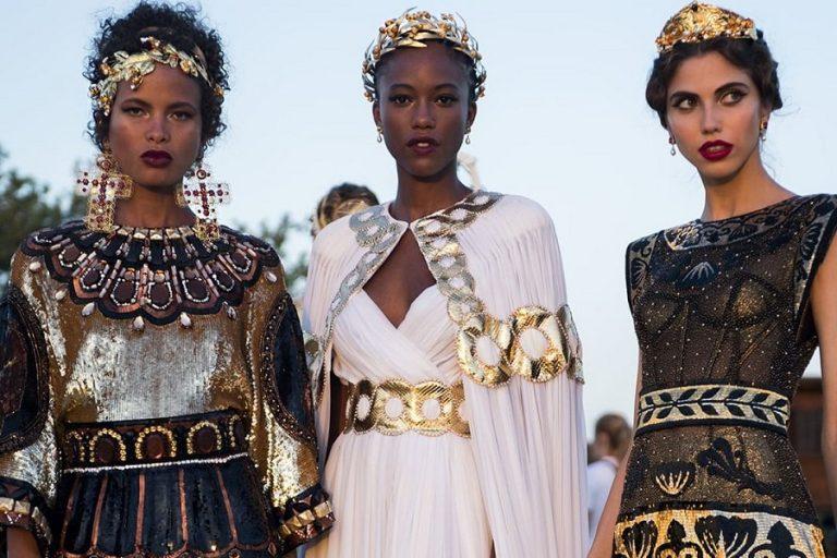 Το ελληνικό στοιχείο πρωταγωνιστεί στη νέα επίδειξη των Dolce & Gabbana (Φωτογραφίες και Βίντεο)