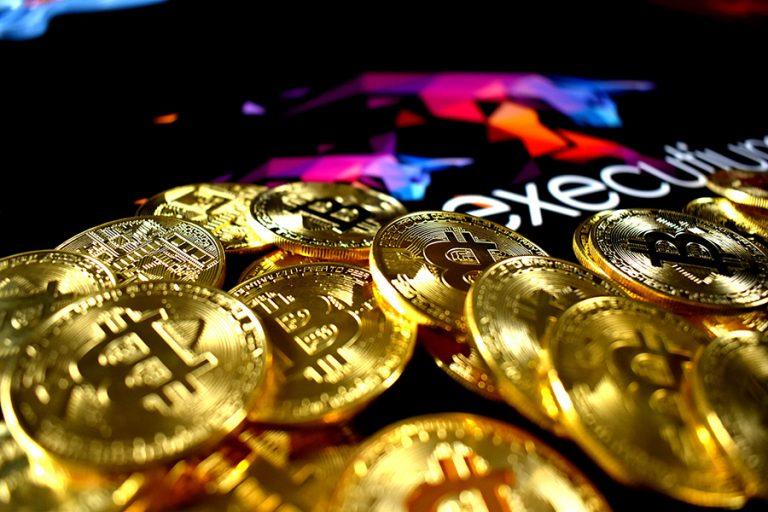 Το μεγάλο σορτάρισμα του Bitcoin συνεχίζεται – Χάνει πάνω από 30% μετά τα υψηλά 18 μηνών