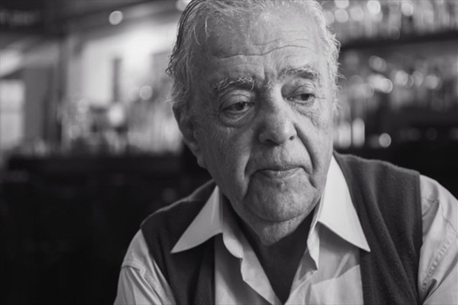 «Έφυγε» ο εμβληματικός σκηνοθέτης Σταύρος Τσιώλης