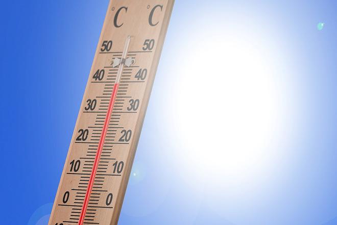 Ο καιρός την Δευτέρα: Καύσωνας και μελτέμι στο Αιγαίο – Πολύ υψηλός κίνδυνος πυρκαγιάς