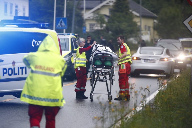 Πυροβολισμοί με έναν τραυματία σε τέμενος κοντά στο Οσλο