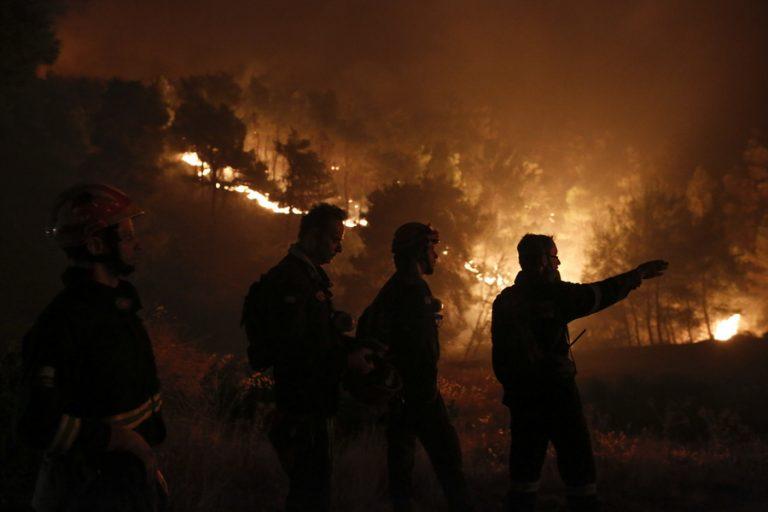Μάχη να περιοριστεί η πυρκαγιά στην Εύβοια – Σώθηκαν τα τέσσερα χωριά αλλά καταστράφηκε το δάσος