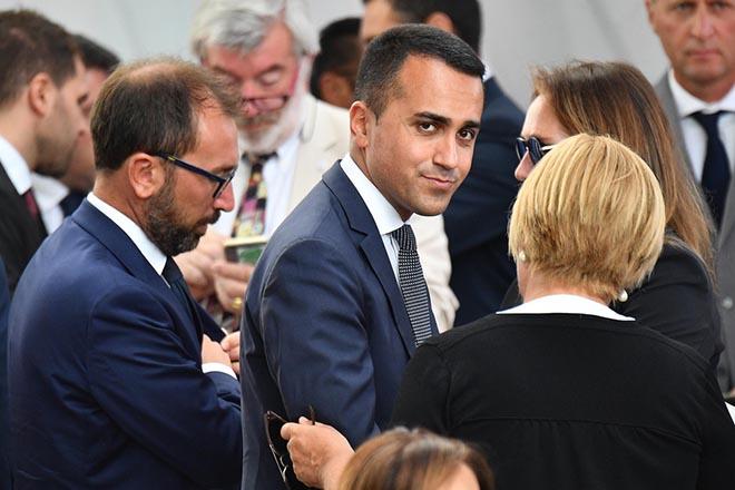 Πυρά από τον Λουίτζι Ντι Μάιο στον Σαλβίνι για την «ομελέτα» της κυβερνητικής κρίσης στην Ιταλία