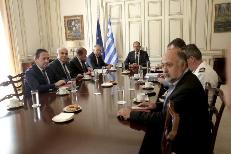 Μόνιμες λύσεις για την ακτοπλοϊκή σύνδεση της Σαμοθράκης προωθεί η κυβέρνηση – Τί απαντά ο ΣΥΡΙΖΑ