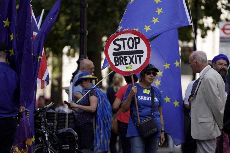 Τι κάνουν οι βρετανικές επιχειρήσεις για να αντιμετωπίσουν ένα «σκληρό» Brexit στο τέλος Οκτωβρίου