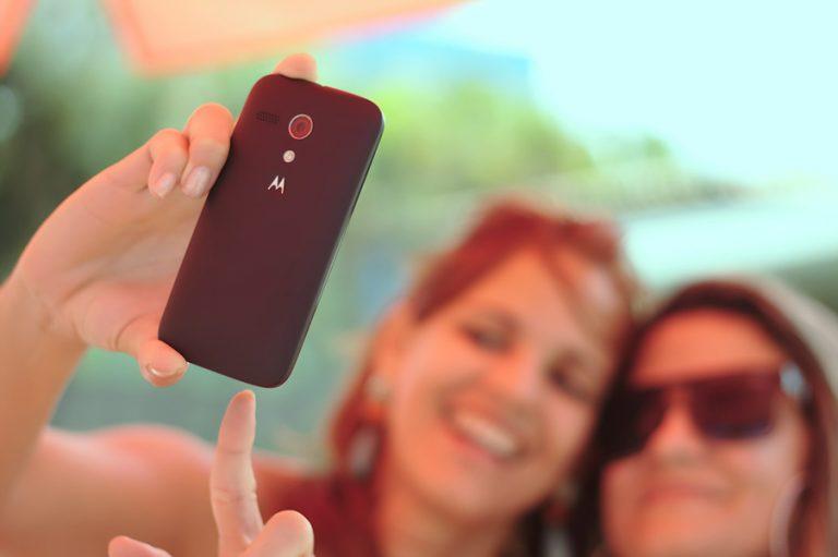 Η νέα εμμονή του ίντερνετ ονομάζεται Disaster Selfies