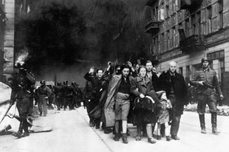 Focus: «Οι Ναζί κατέστρεψαν εντελώς την οικονομία της Ελλάδας»