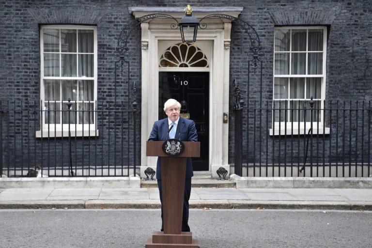 ΕΕ προς Τζόνσον: Έχεις μία εβδομάδα για να φέρεις καλύτερη πρόταση