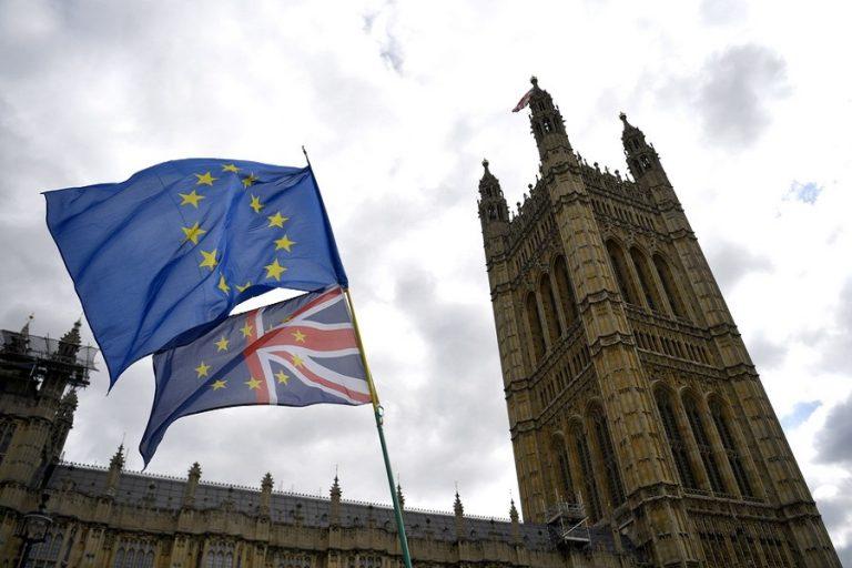 Markit: Ολοταχώς προς ύφεση κινείται η βρετανική οικονομία
