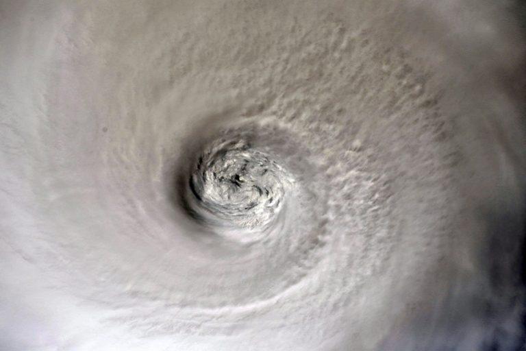 Ενισχύθηκε ο κυκλώνας Ντόριαν- Κατατάσσεται εκ νέου στην κατηγορία 3