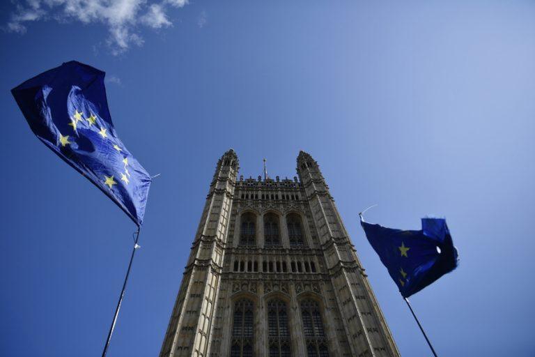Απέρριψε το Ανώτατο Δικαστήριο του Λονδίνου αίτημα ακύρωσης του λουκέτου στη Βουλή