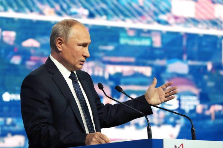 Τηλεγραφήματα Πούτιν σε Σακελλαροπούλου-Μητσοτάκη για την 25η Μαρτίου