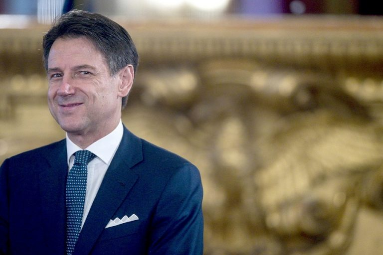 Τζουζέπε Κόντε: Ο δημοφιλέστερος Ιταλός πρωθυπουργός των τελευταίων 25 χρόνων