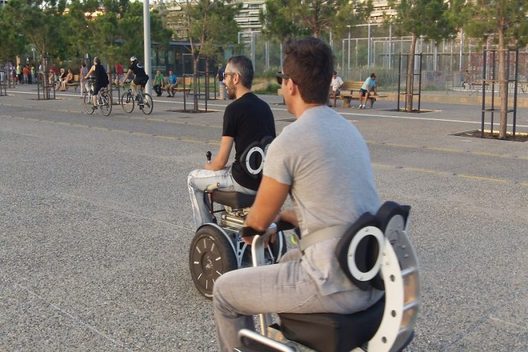 Sui Generis Seat: Ένα καινοτόμο αυτοϊσορροπούμενο όχημα για άτομα με κινητικές δυσκολίες στην 84η ΔΕΘ