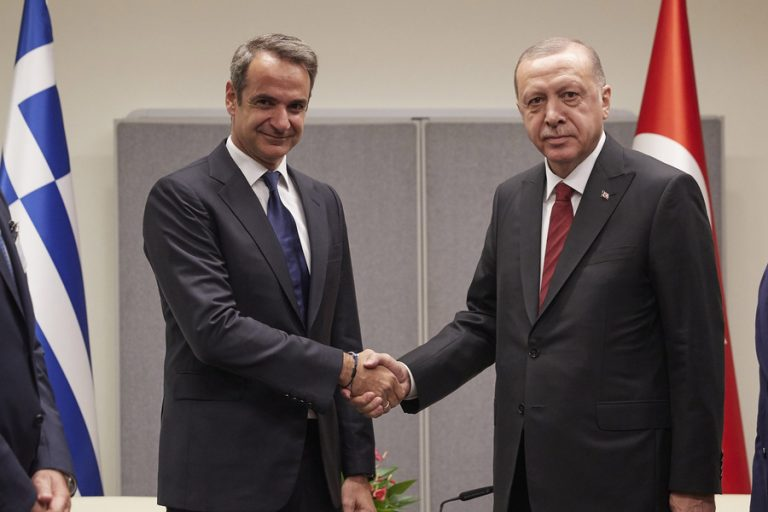 «Ευχαριστώ» Ερντογάν σε Μητσοτάκη για το μήνυμα του Έλληνα πρωθυπουργού μετά τον καταστροφικό σεισμό
