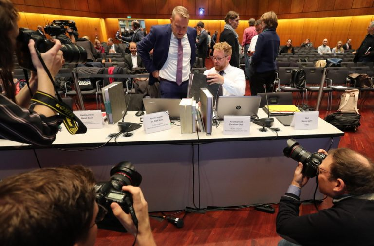Σκάνδαλο «dieselgate»: Άρχισε η μεγάλη δίκη χιλιάδων πελατών κατά της Volkswagen