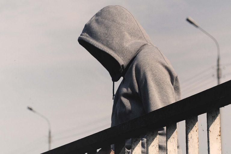 Δραματικά τα στοιχεία από την αύξηση των αυτοκτονιών παγκοσμίως- Τα ελληνικά δεδομένα