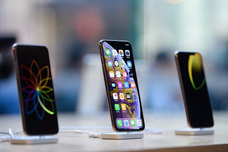Έσοδα και κέρδη ρεκόρ για την Apple από τις πωλήσεις των iPhone
