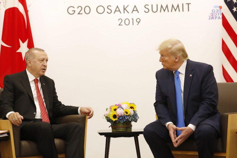Ερντογάν: Δεν μπορώ πλέον να παρακολουθώ τα tweets του Τραμπ για τη Συρία