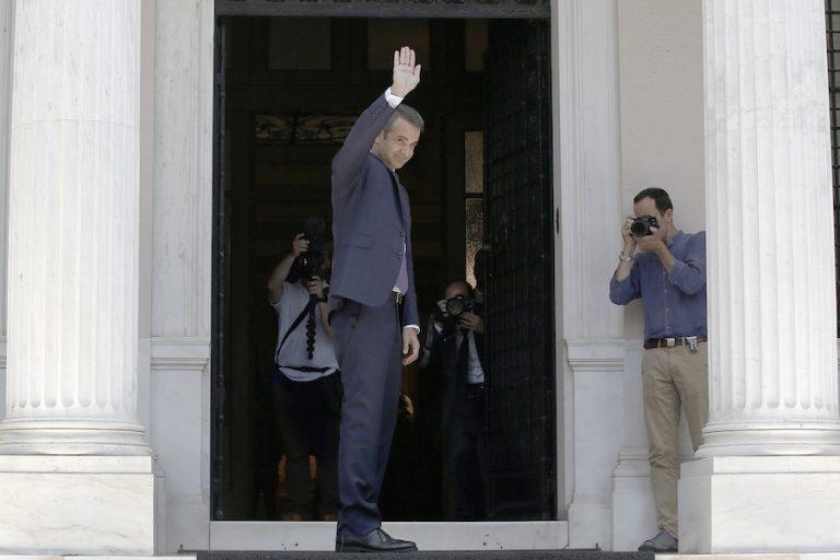100 μέρες κυβέρνησης ΝΔ: Πώς αξιολογεί την πορεία της, τι απαντά ο ΣΥΡΙΖΑ