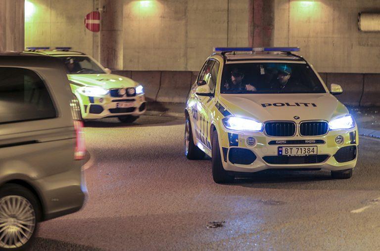 Ένοπλος έπεσε με κλεμμένο ασθενοφόρο σε πεζούς στο Όσλο
