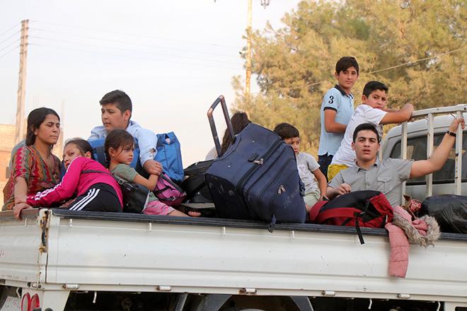 ΟΗΕ: 100.000 άνθρωποι εγκατέλειψαν τις εστίες τους μετά την τουρκική εισβολή στη Συρία – ΗΠΑ: Δεν εγκαταλείπουμε τους Κούρδους