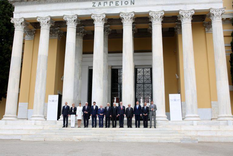 «Ανάγκη για ισχυρή Ε.Ε. ισότιμων εταίρων» το μήνυμα της «Διακήρυξης των Αθηνών» της Συνόδου του «Arraiolos Group»